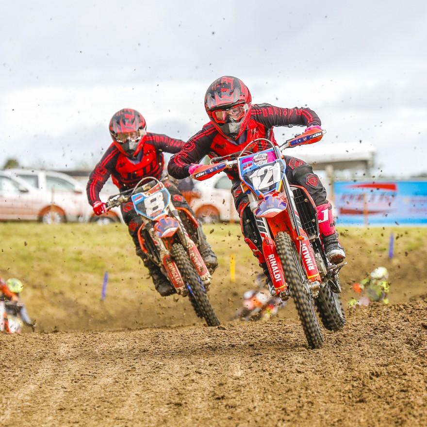 Irmãos Lucas e Mateus Basso em ação